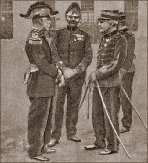 General Gillain, Major Targe, Major Dreyfus